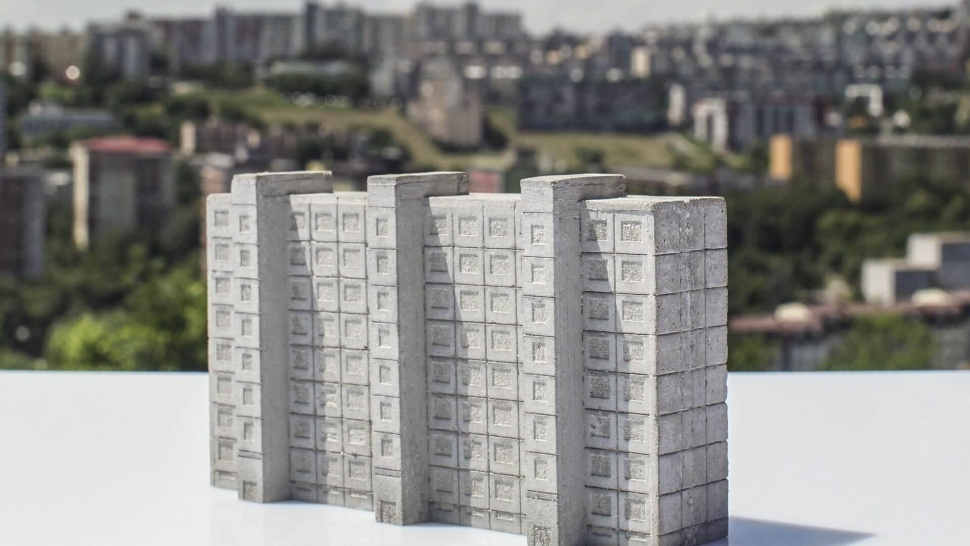 Betonexport - Socha Panelák