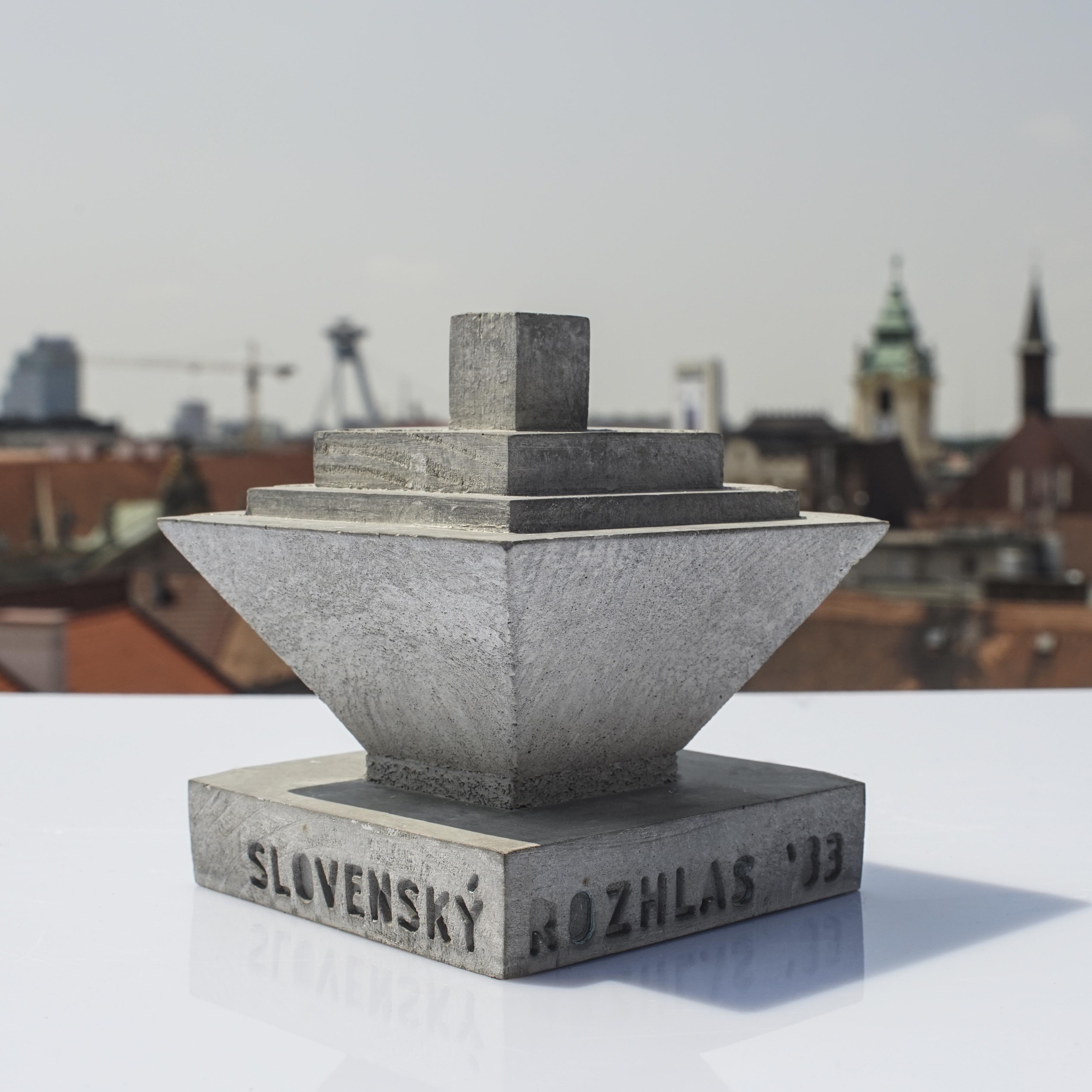 Betonexport - Socha Slovenský Rozhlas
