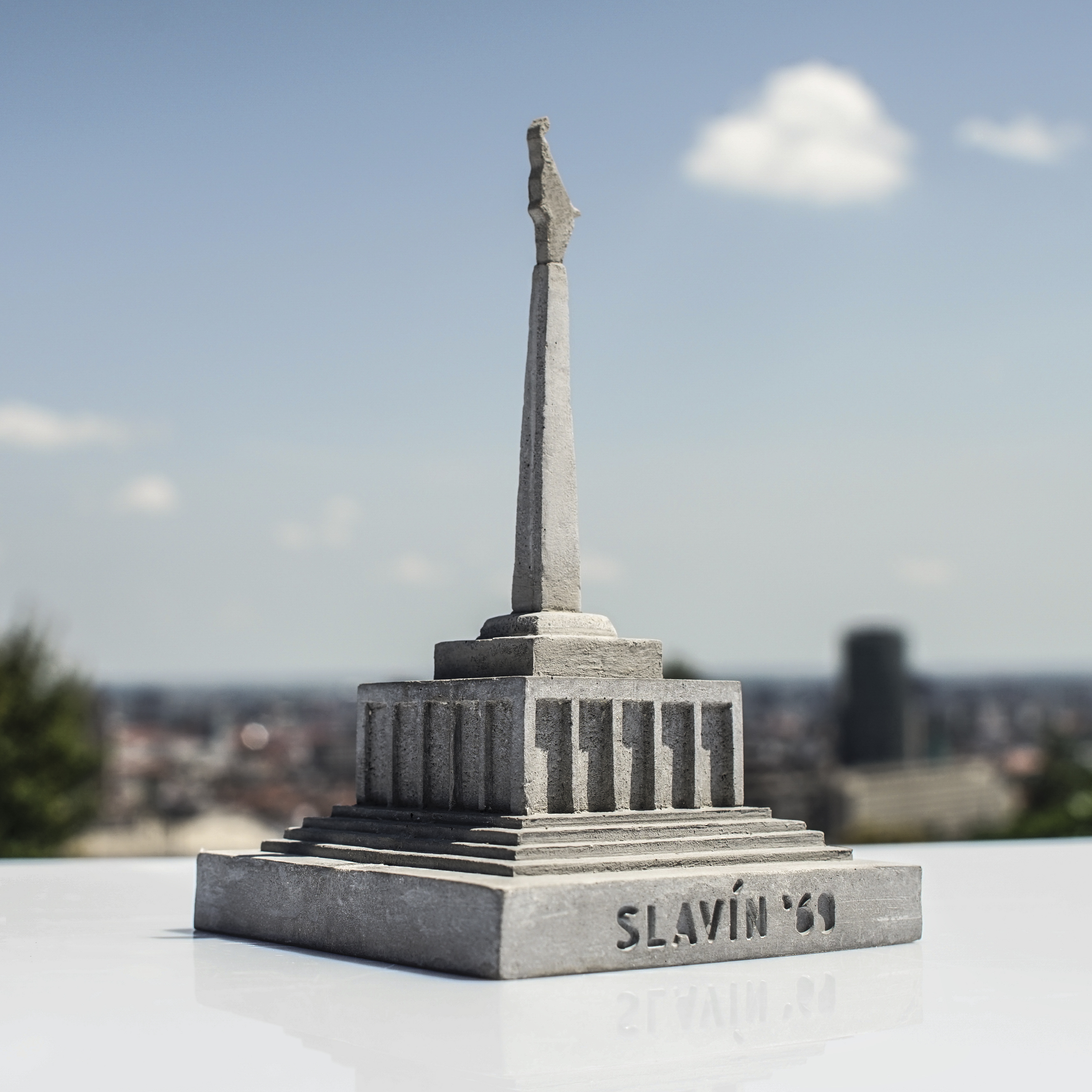 Betonexport - Slavín socha